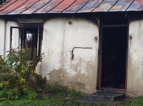 Powiat bialski: Tragiczny pożar domu w Ludwinowie. Nie żyje właściciel domu - Zdjęcie główne