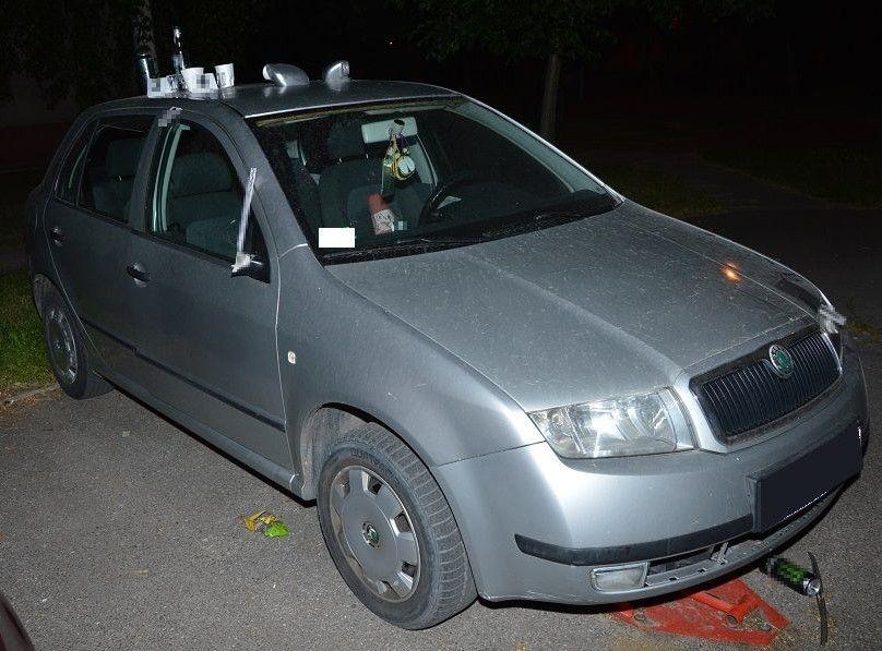 Terespol: Pijani włamali się do samochodu. Tłumaczyli się wypitym alkoholem - Zdjęcie główne