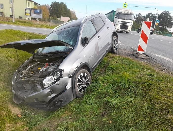 Powiat bialski: Wjechał motorowerem w osobówkę. Miał blisko 2 promile - Zdjęcie główne
