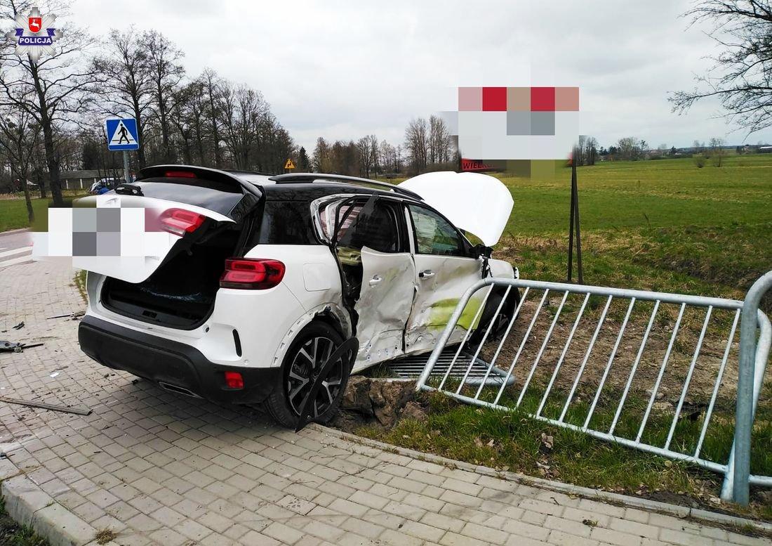 Zderzenie Citroena z Fordem w Marcinowie - Zdjęcie główne