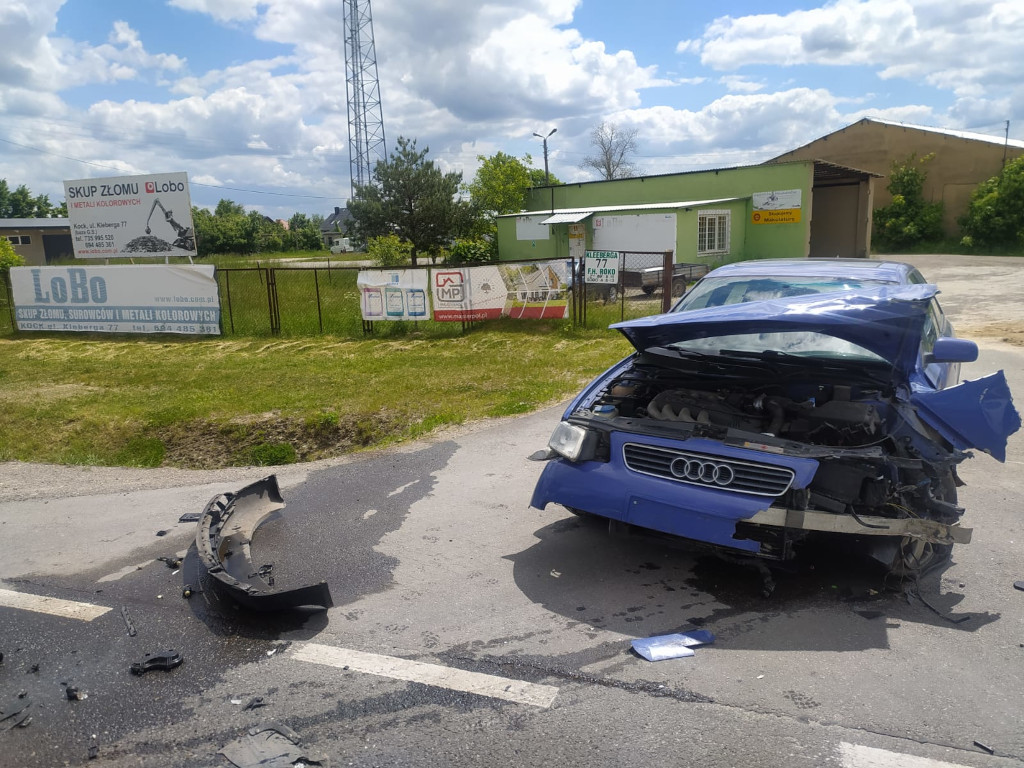 Kolizja trzech samochodów w Kocku - Zdjęcie główne