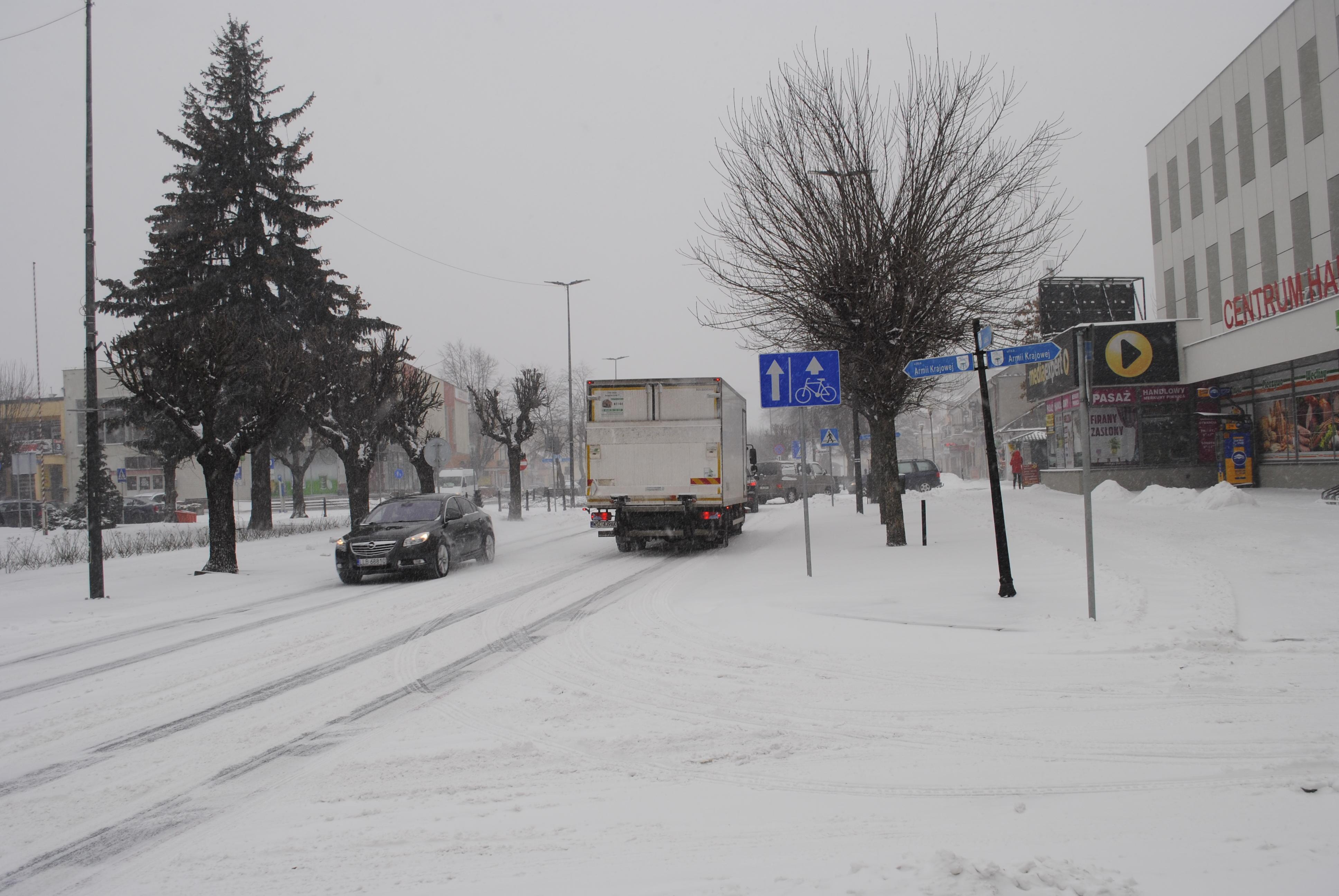 Atak zimy, droga do Lublina zablokowana - Zdjęcie główne