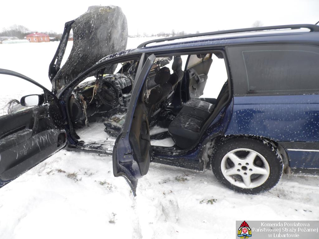 Opel spalił się w Rudnie - Zdjęcie główne