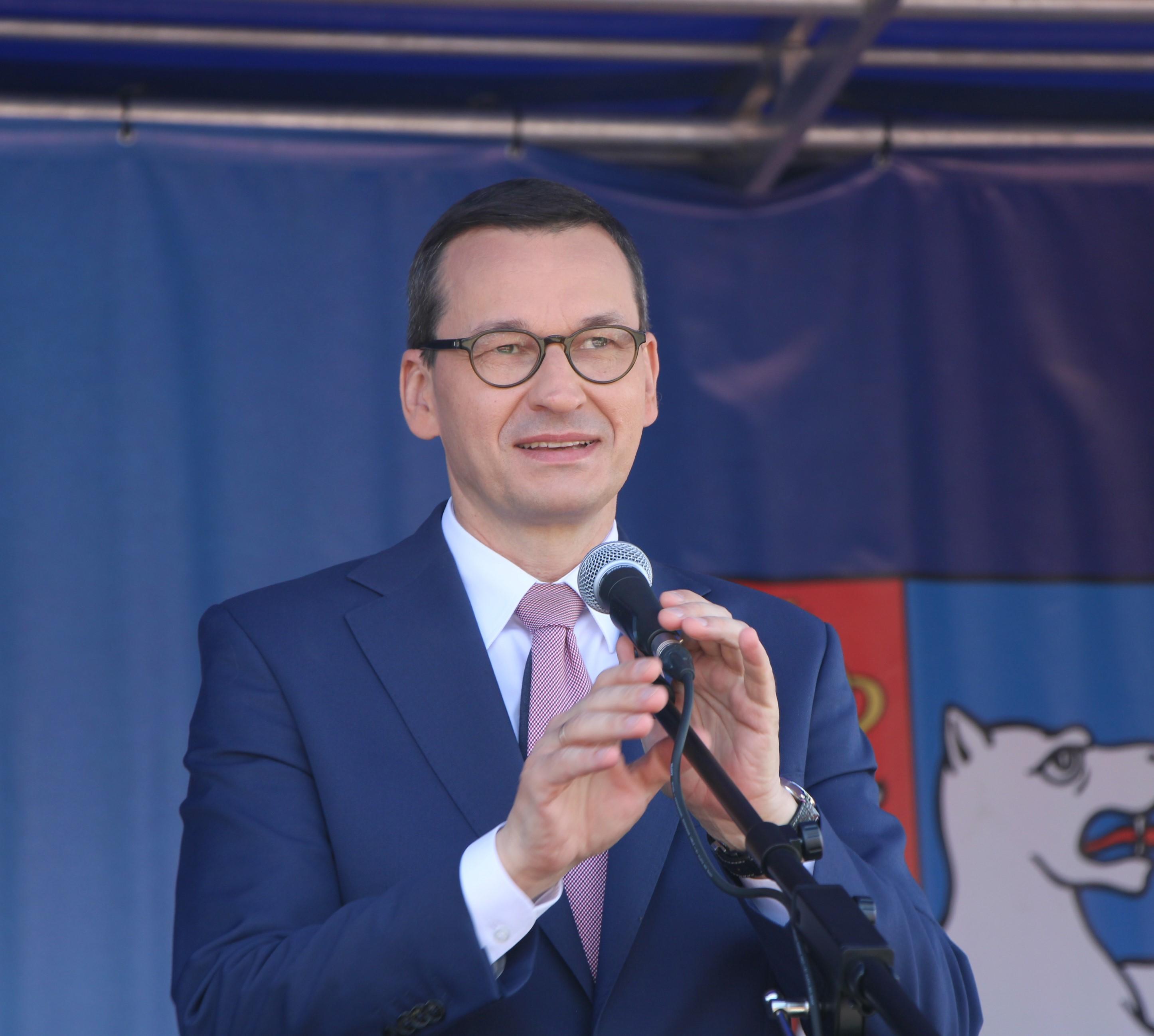 Premier Mateusz Morawiecki odwiedzi dziś powiat lubartowski. Będzie w Niedźwiadzie i Chlewiskach - Zdjęcie główne