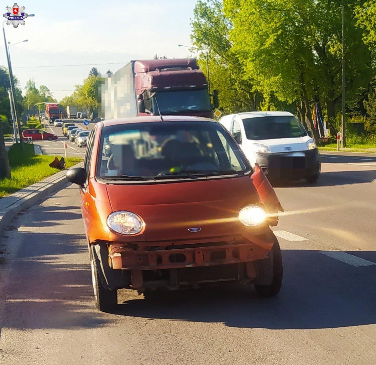 Kolizja w Łucce. Kierowca matiza wjechał w ciężarówkę - Zdjęcie główne