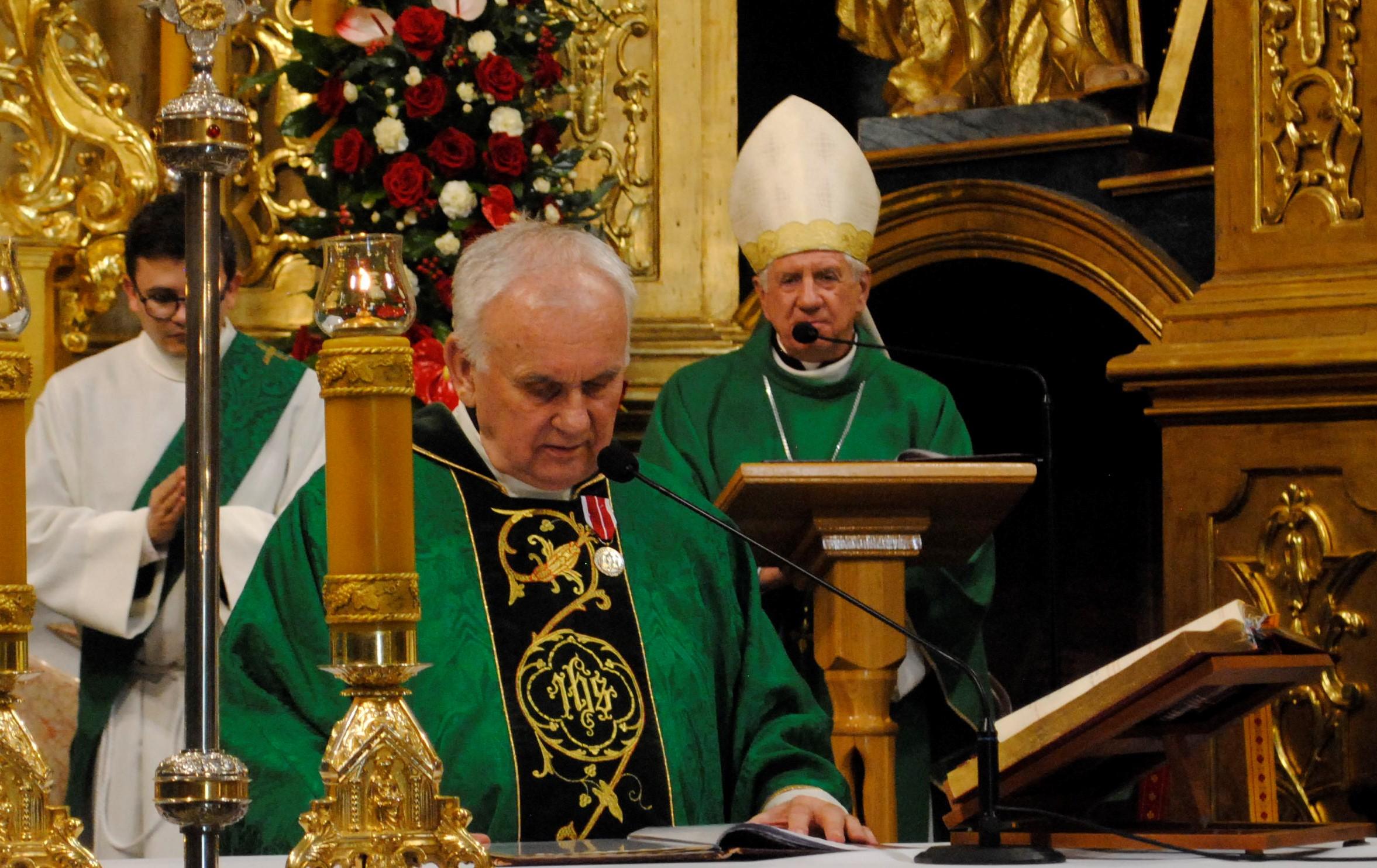 Arcybiskup Dzięga i minister Czarnek na jubileuszu kapłana z Lubartowa - Zdjęcie główne