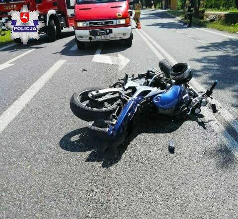Gm. Lubartów: Pijany motocyklista wjechał w osobówkę - Zdjęcie główne