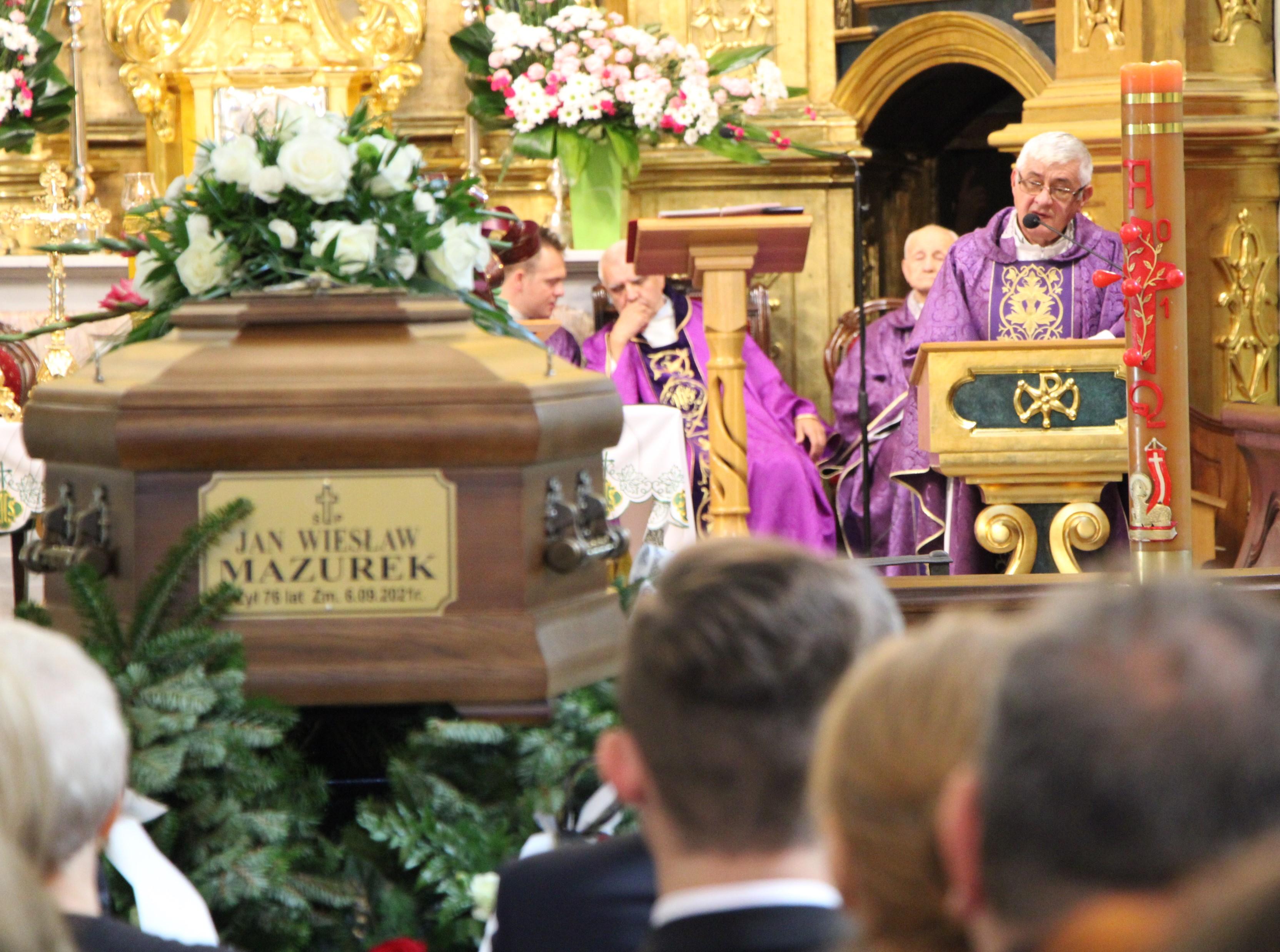 Jan Wiesław Mazurek, radny powiatowy i lekarz z Firleja, został pochowany w Lubartowie - Zdjęcie główne