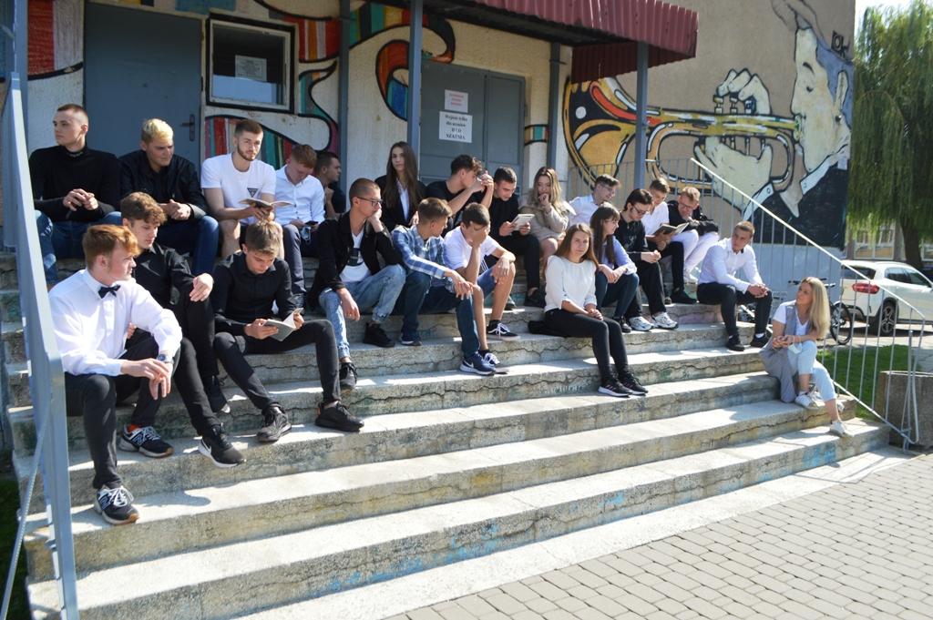 Narodowe Czytanie w II LO w Lubartowie - Zdjęcie główne