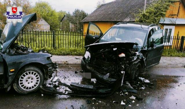 Dwa samochody zderzyły się w Jeziorzanach (aktualizacja) - Zdjęcie główne