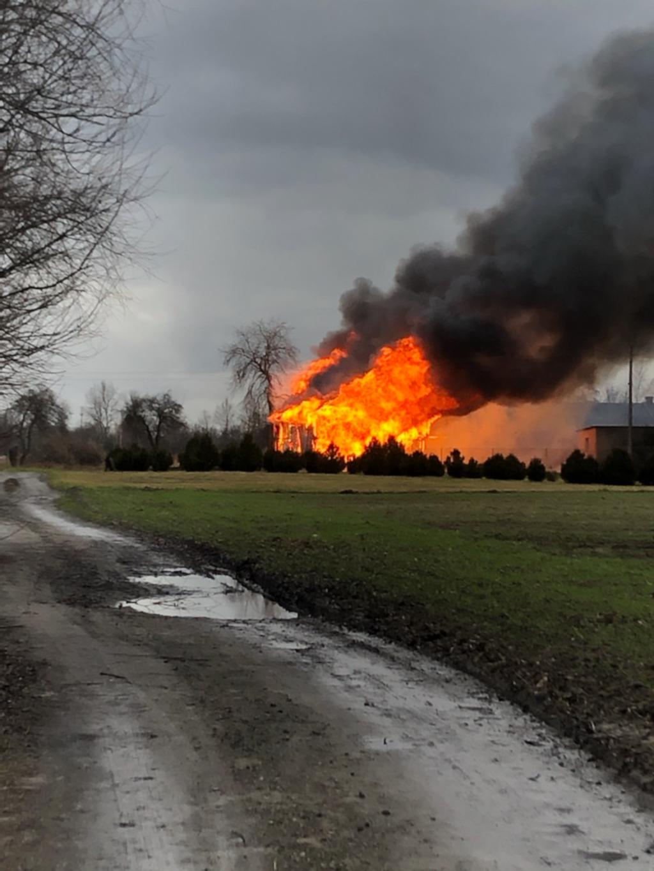 Pożar na ul. Nadrzecznej w Lubartowie  - Zdjęcie główne