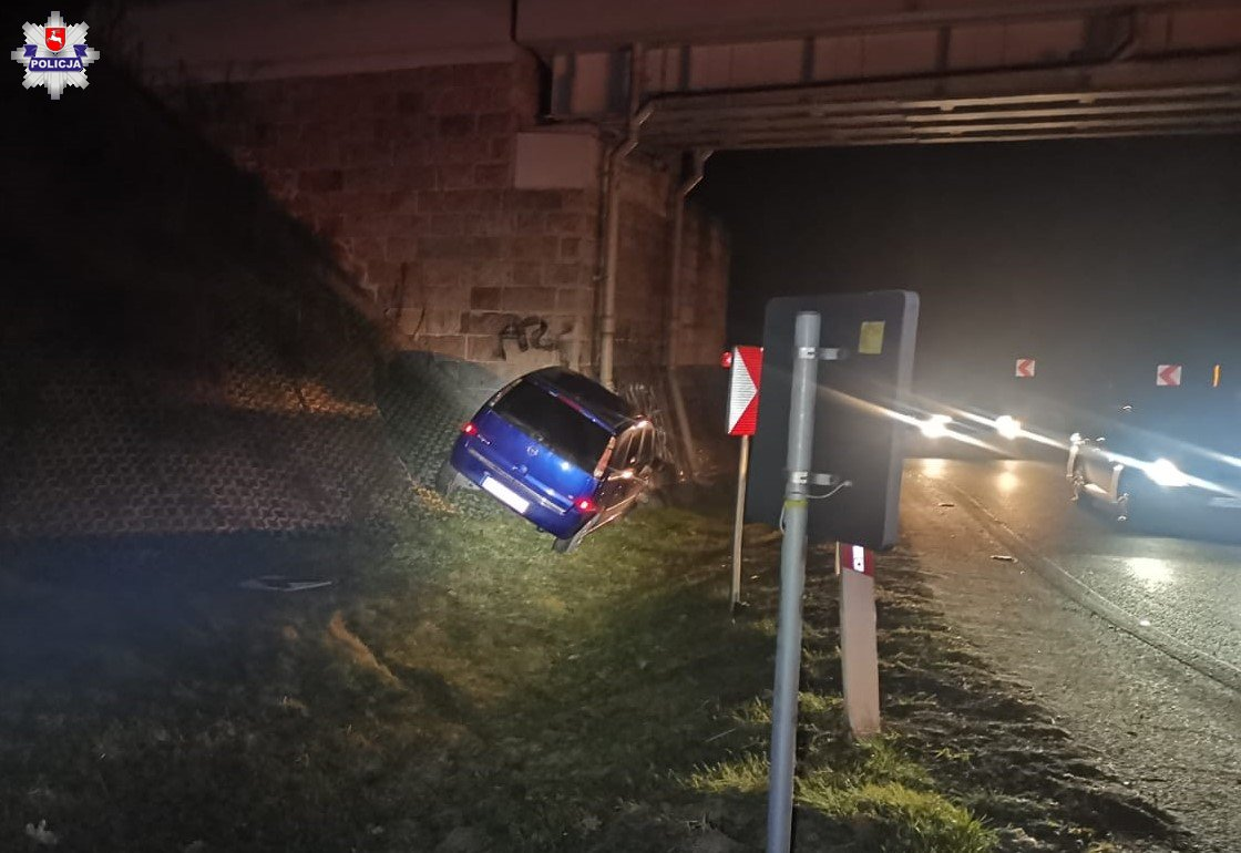 Wjechał w wiadukt w Wandzinie - Zdjęcie główne