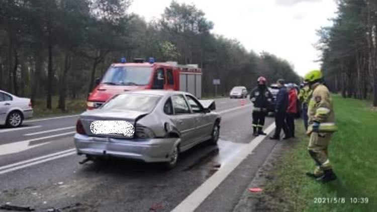 Wypadek w Firleju, jedna osoba poszkodowana - Zdjęcie główne