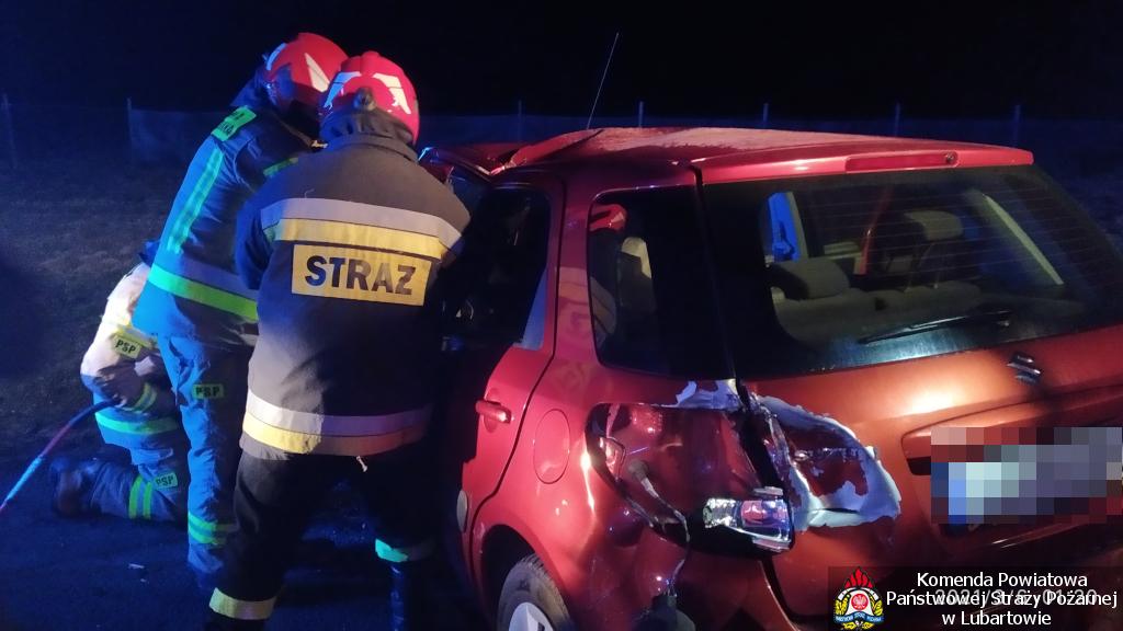 Trzy samochody zderzyły się w Trzcińcu - Zdjęcie główne