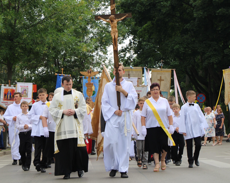 Jutro Boże Ciało. W Lubartowie procesja od kościoła do kościoła - Zdjęcie główne