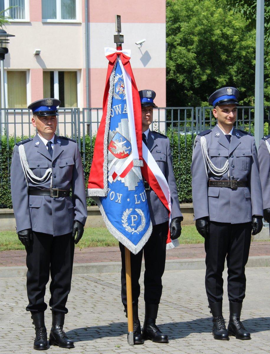 Obchody Święta Policji w komendzie powiatowej w Lubartowie. 42 awansowanych - Zdjęcie główne