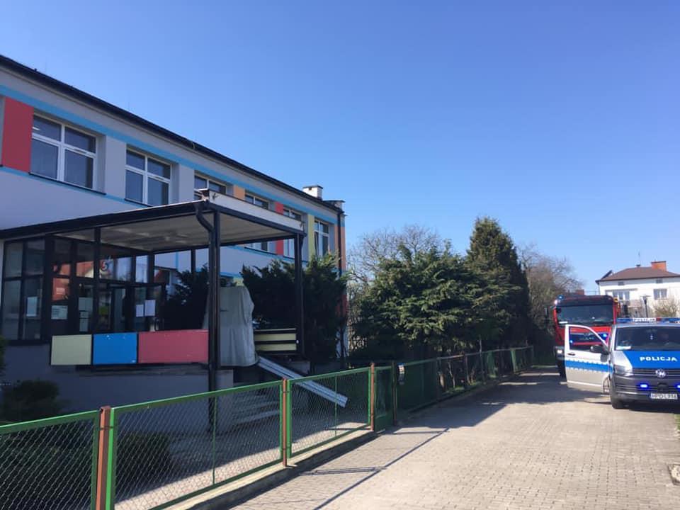 Lubartów:alarm bombowy w przedszkolach (aktualizacja) - Zdjęcie główne