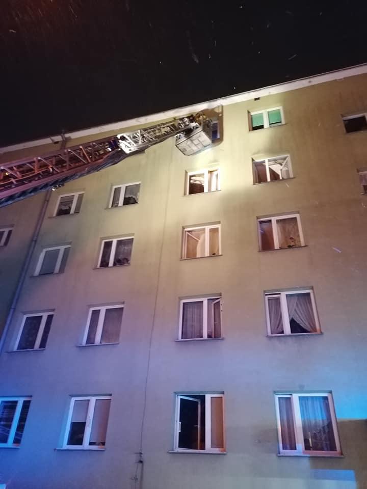Paliło się mieszkanie przy ul. Słowackiego w Lubartowie - Zdjęcie główne