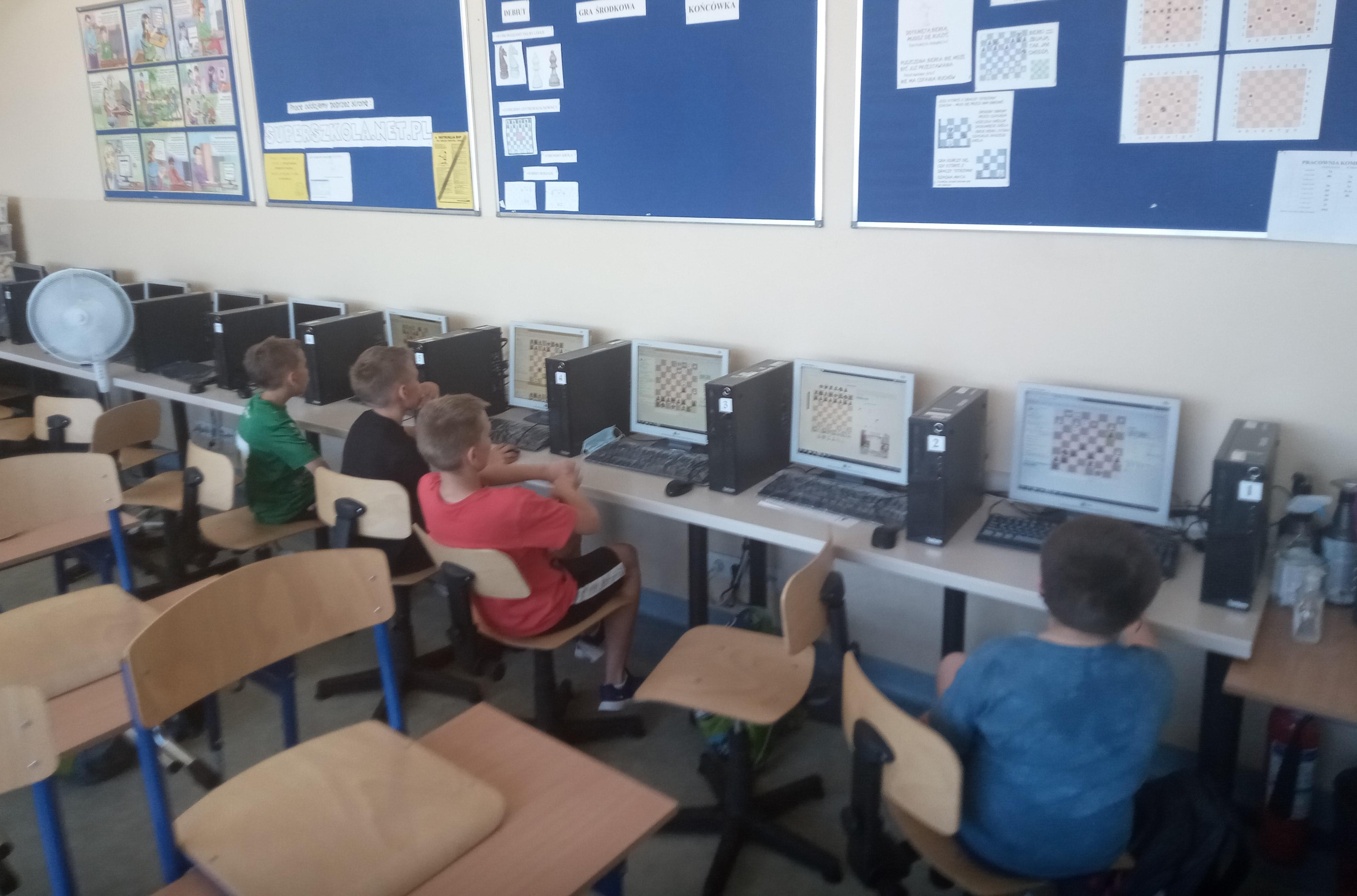 Uczniowie SP 4 w Lubartowie na wojewódzkim turnieju szachowym - Zdjęcie główne