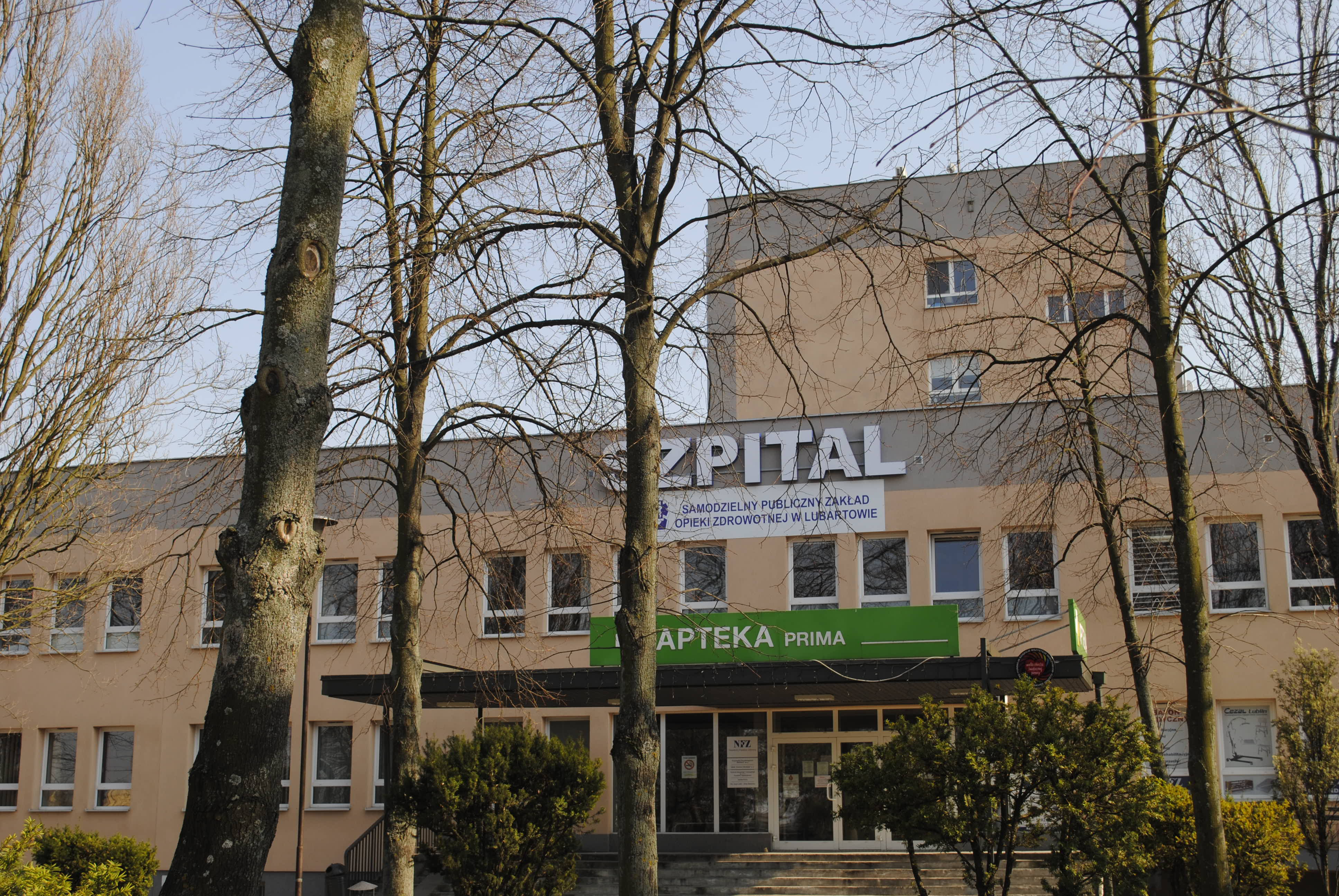 Lubartów:  Księgowa zwolniona przez poprzednią dyrektor wróciła do szpitala - Zdjęcie główne