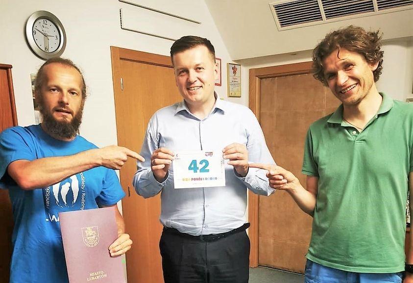 Burmistrz Lubartowa pobiegnie w Biegu Pokój i Dobro. Dziś ostatni dzień zapisów - Zdjęcie główne