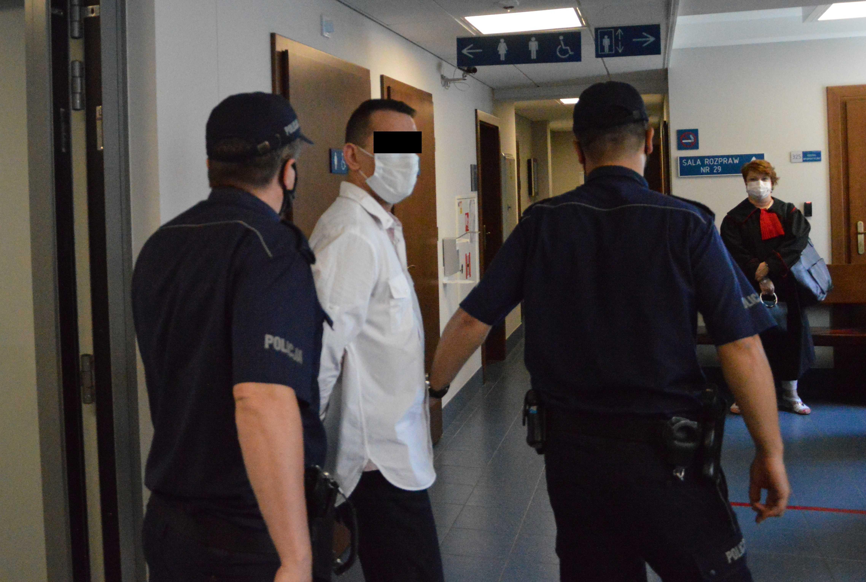 Lubartów: zaatakował na ulicy nożem. Prokuratura twierdzi, że chciał zabić [GALERIA] - Zdjęcie główne