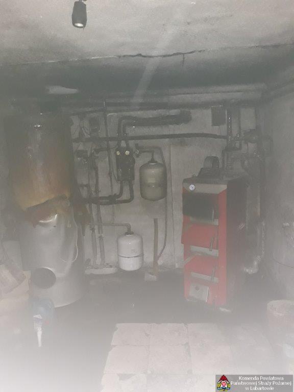 Pożar w piwnicy domu w Lubartowie - Zdjęcie główne