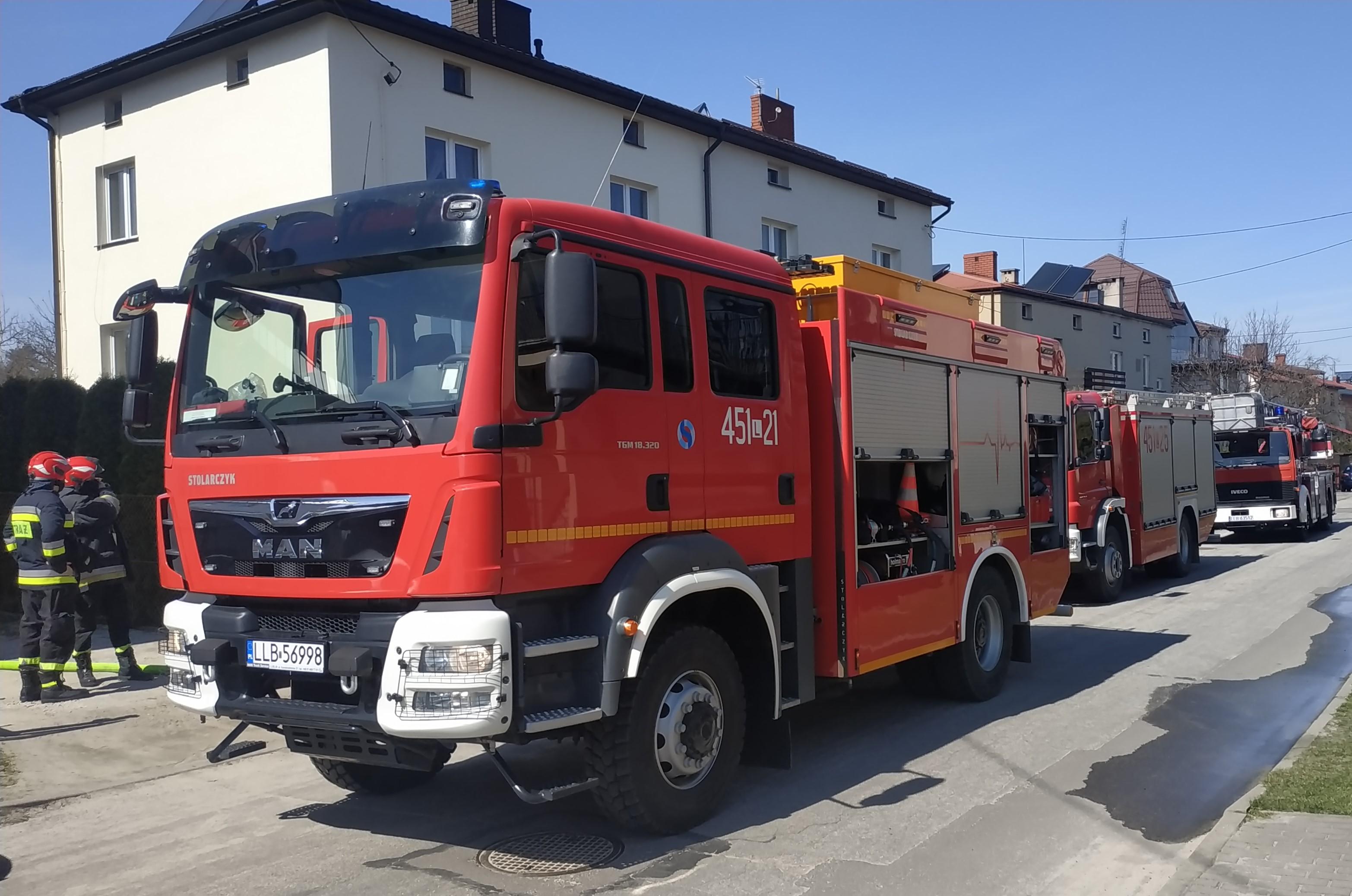 Pożar na ul. Czwartaków w Lubartowie - Zdjęcie główne