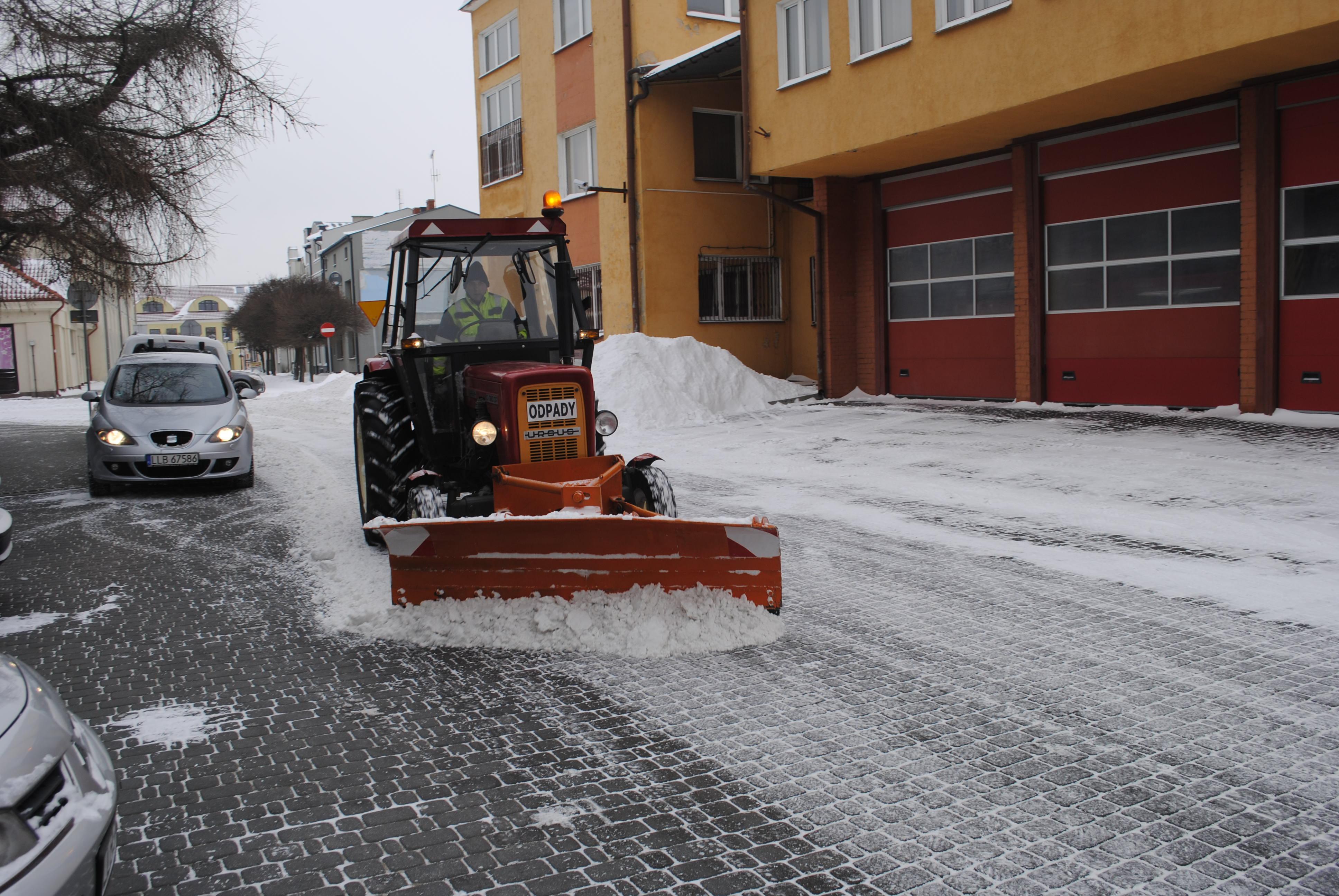 Wszyscy narzekają na odśnieżanie. Jak naprawdę powiat lubartowski i gminy walczą ze śniegiem - Zdjęcie główne