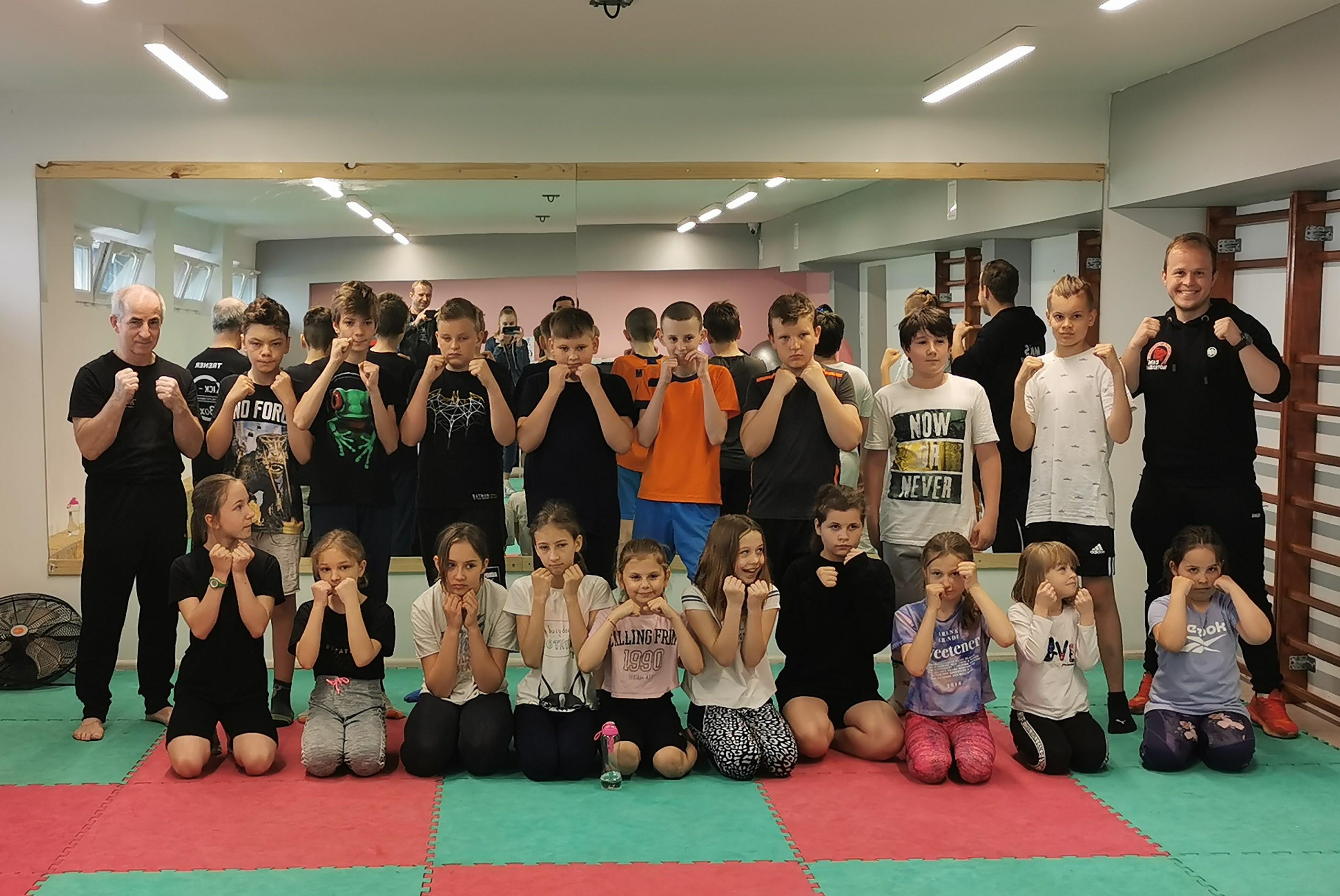 Egzaminy na stopnie mistrzowskie kickboxingu w MKS Lubartów zdane - Zdjęcie główne