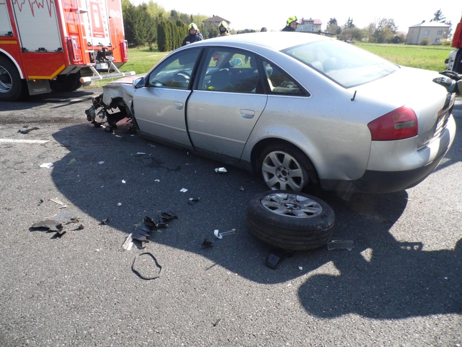 Gmina Firlej: Zderzenie dwóch samochodów w Łukówcu (aktualizacja) - Zdjęcie główne