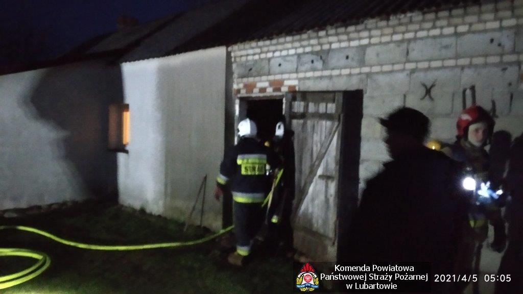 Pożar w Dębicy. Palił się budynek gospodarczy - Zdjęcie główne