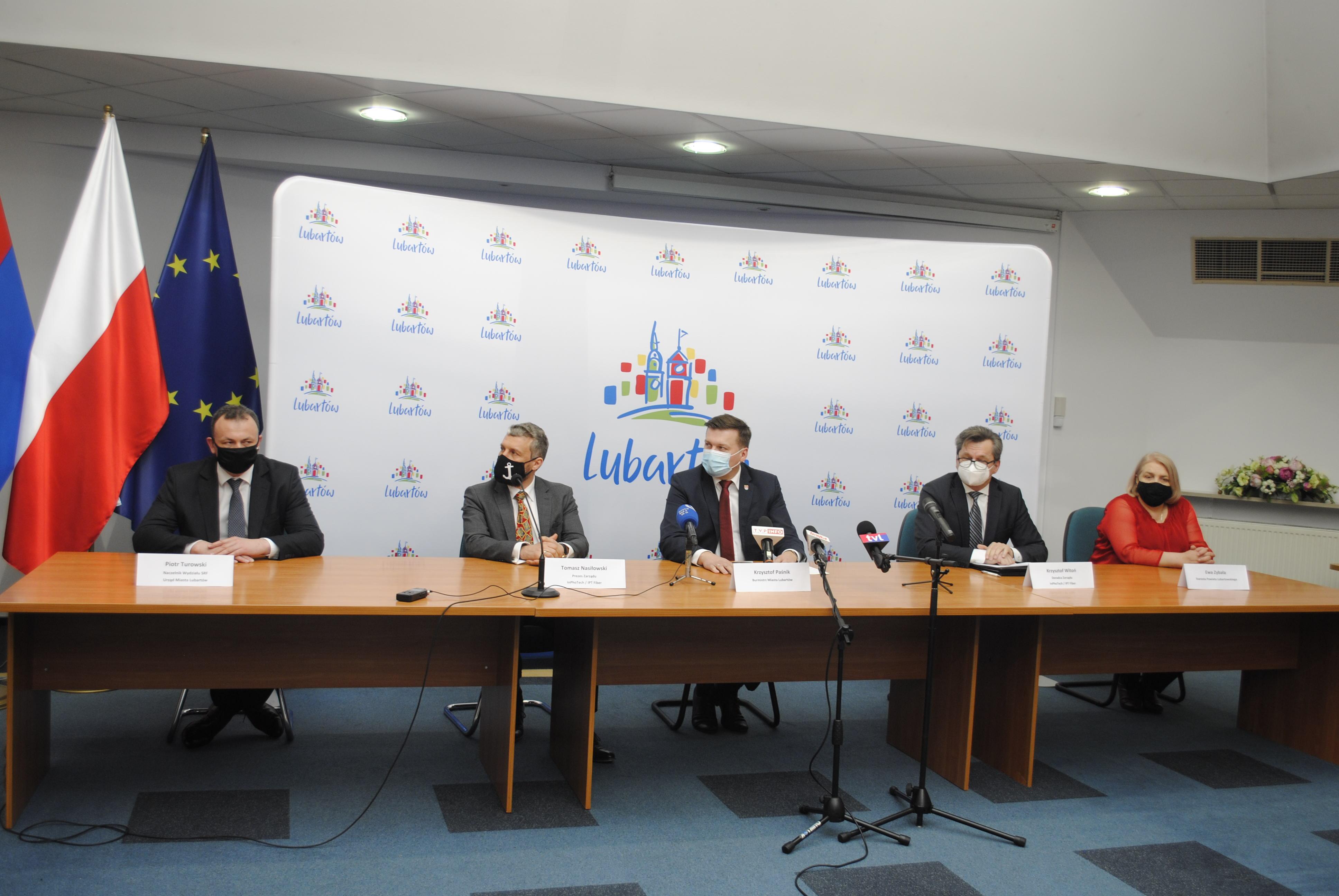 W Lubartowie będą robić światłowody. Miasto podpisało umowę z firmą IPT Fiber  - Zdjęcie główne