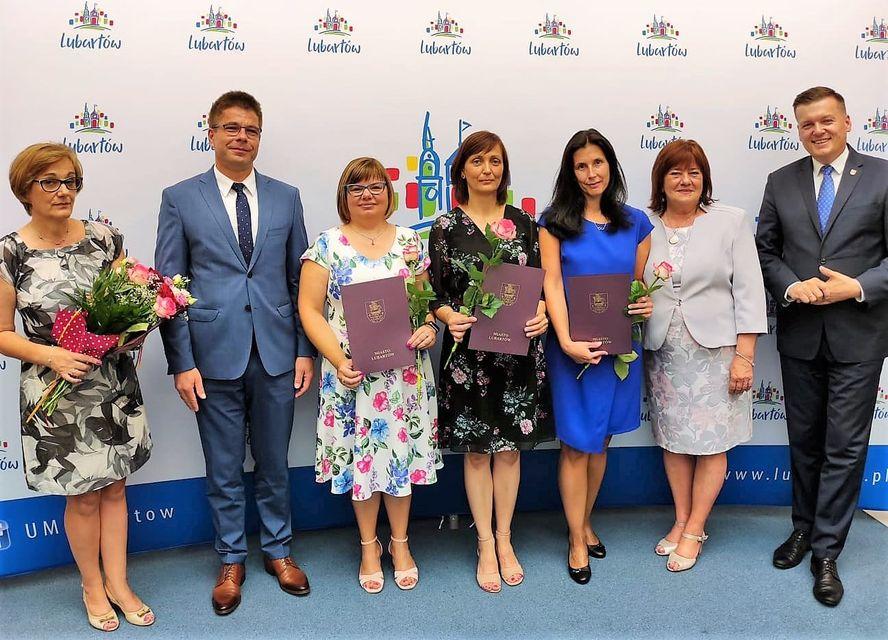 Nominacje dla nauczycielek z Lubartowa. Wręczali burmistrz i zastępca - Zdjęcie główne