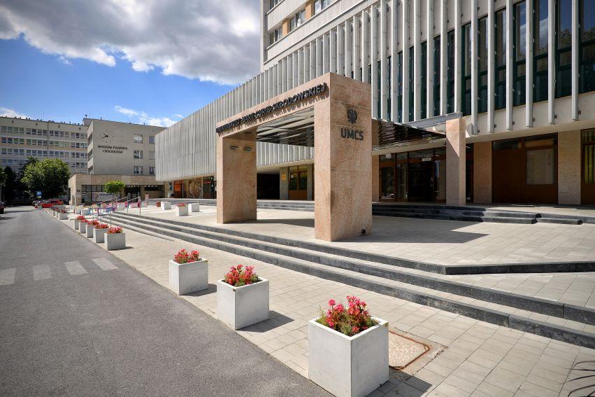 Lublin: Są jeszcze miejsca na studiach na UMCS. Uczelnia prowadzi dodatkową rekrutację - Zdjęcie główne