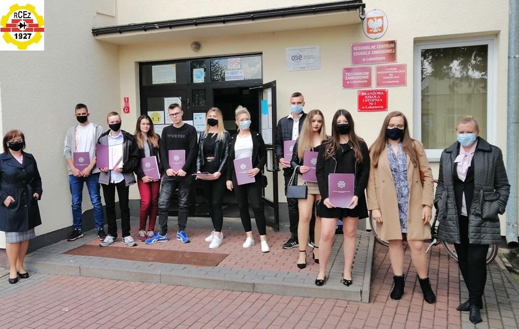 RCEZ w Lubartowie pożegnało absolwentów, pięcioro z wyróżnieniem - Zdjęcie główne
