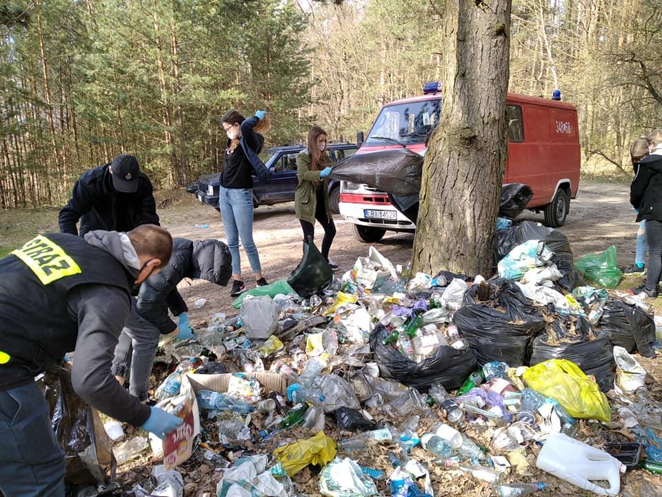Sukces akcji sprzątania na terenie gminy Międzyrzec. Ilość śmieci przeraża - Zdjęcie główne