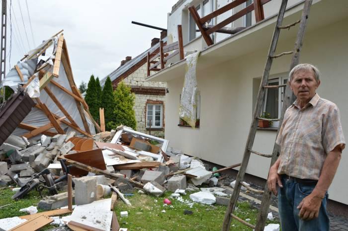 APOKALIPSA. Nawałnica zrywała dachy, łamała drzewa i pustoszyła uprawy - Zdjęcie główne