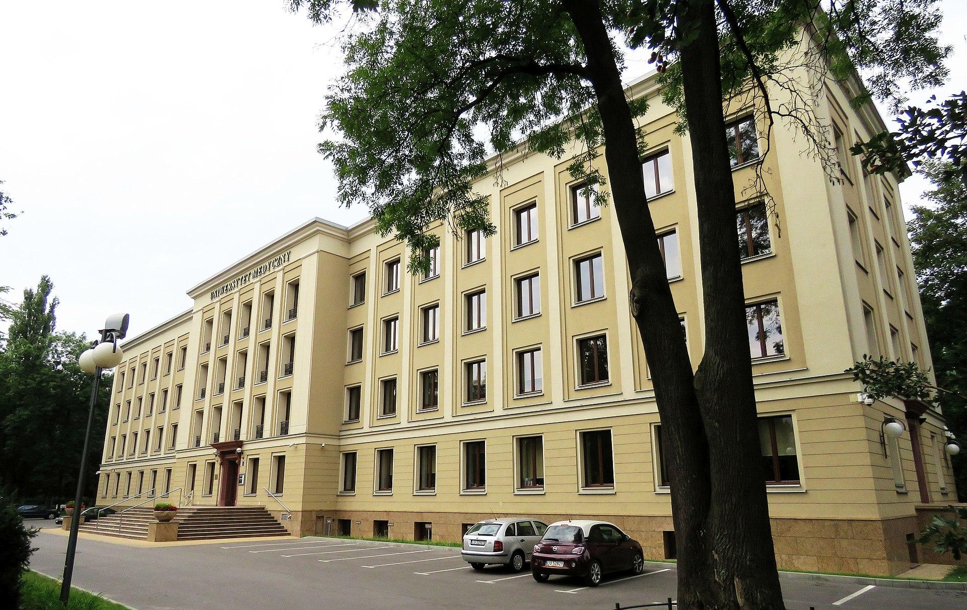Uniwersytet Medyczny w Lublinie podsumowuje rekrutację. Kandydatów kilkaset więcej niż w ubiegłym roku - Zdjęcie główne