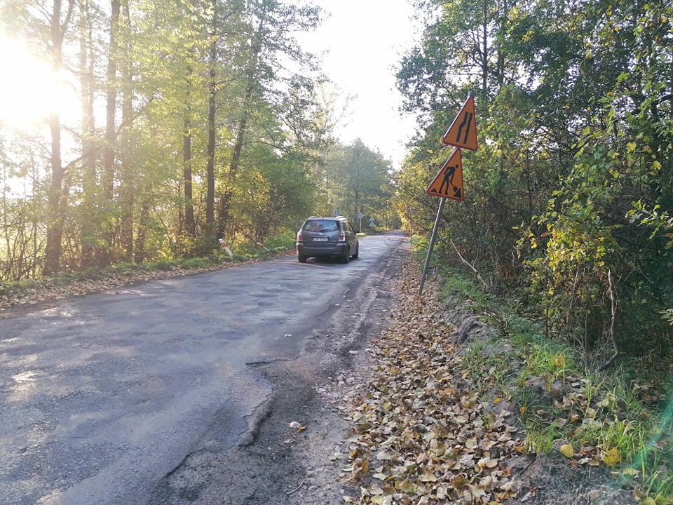 Po dwóch miesiącach przestoju drogowcy wrócili do Trzebieszy (ZDJĘCIA) - Zdjęcie główne