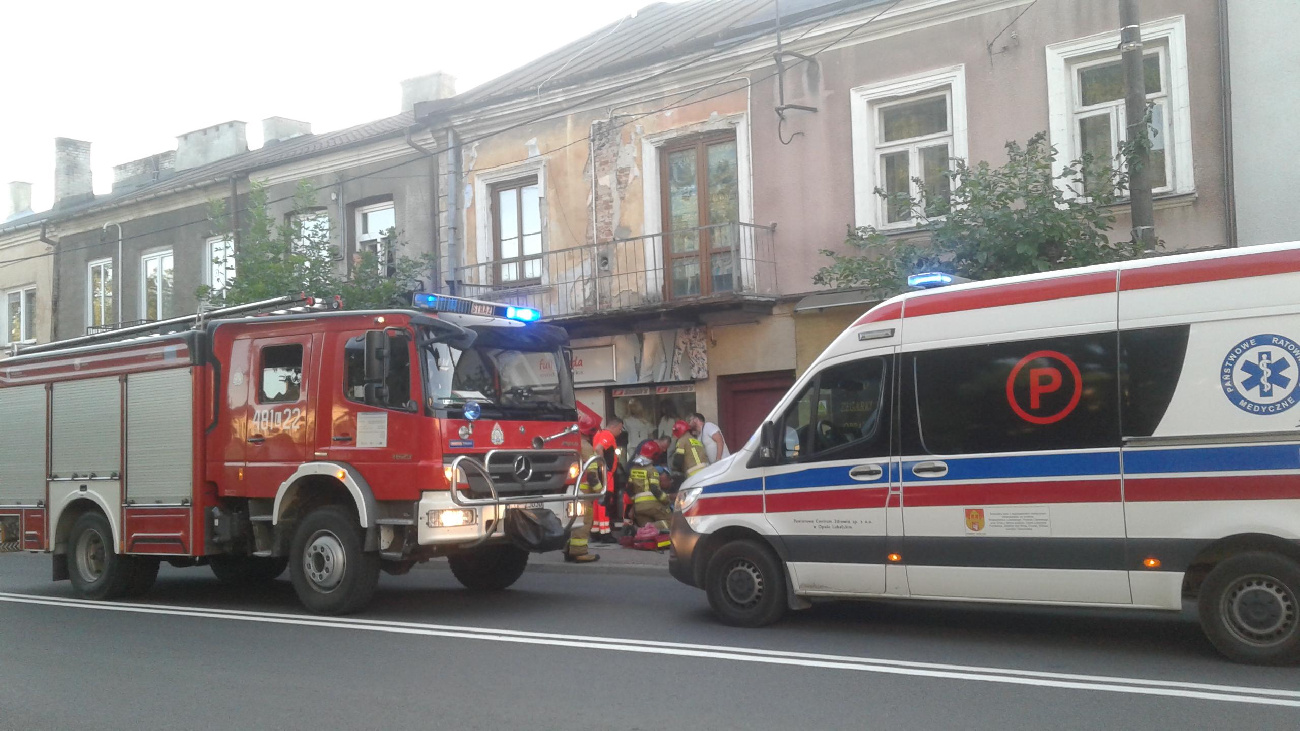 Opole Lubelskie: Rowerzysta potrącony w centrum miasta (ZDJĘCIA) - Zdjęcie główne
