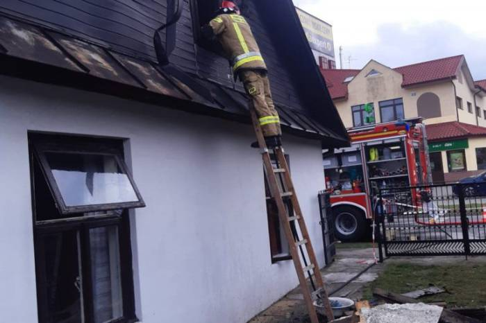 Parczew: Pożar na poddaszu. W akcji kilkunastu strażaków - Zdjęcie główne