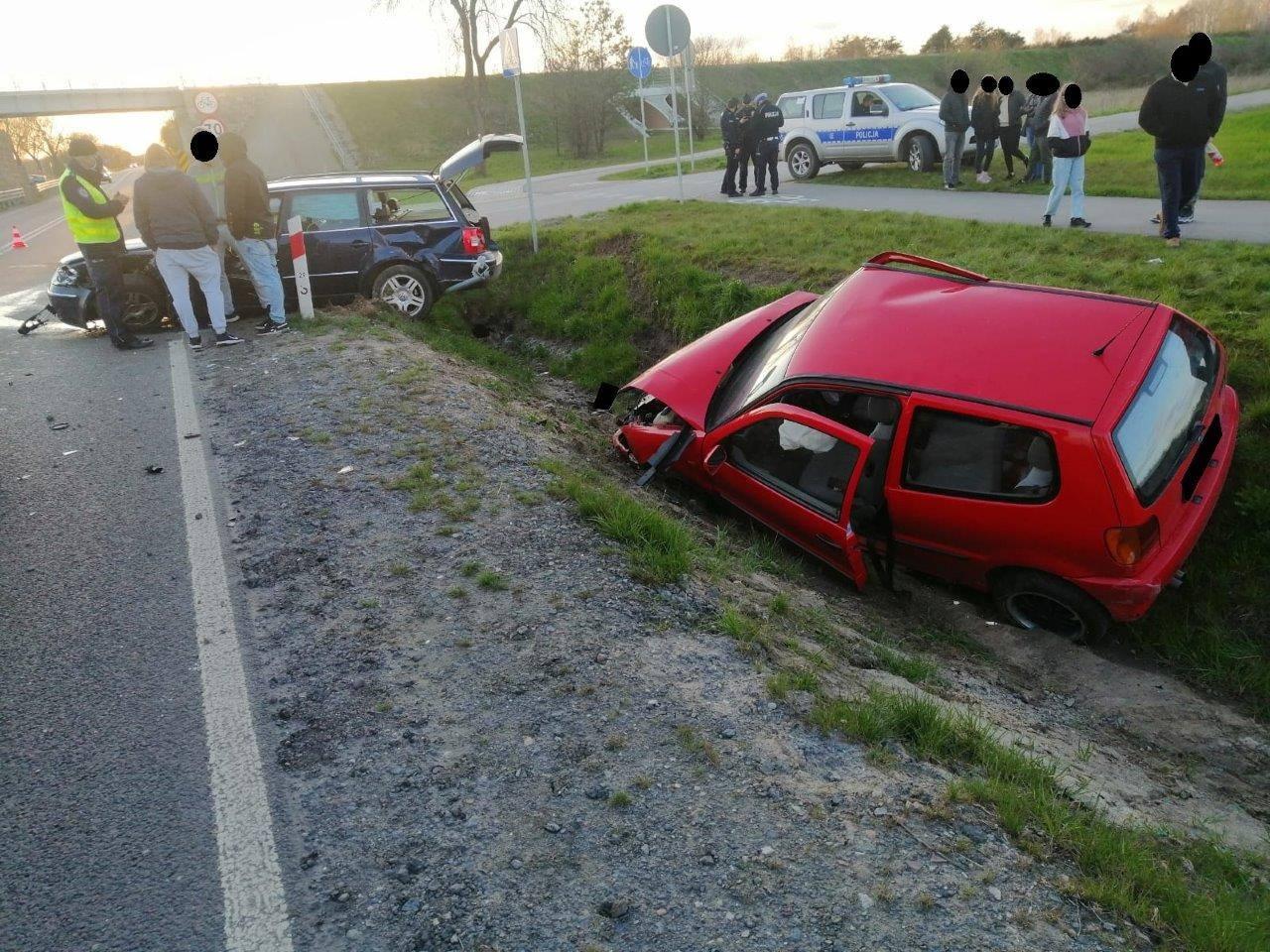 Gmina Parczew: Zderzenie dwóch aut. Podróżowało nimi w sumie 8 osób  - Zdjęcie główne