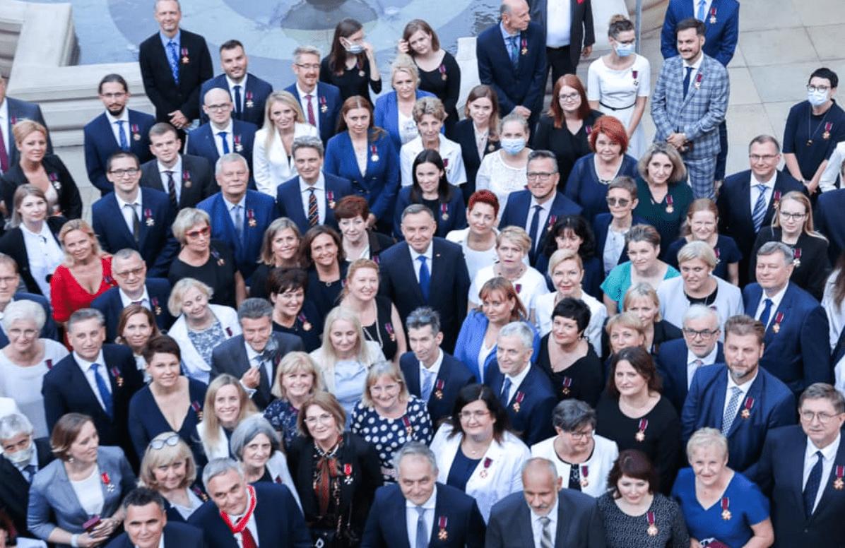 Lekarze z Puław odznaczeni przez Prezydenta RP za walkę z koronawirusem [WIDEO] - Zdjęcie główne