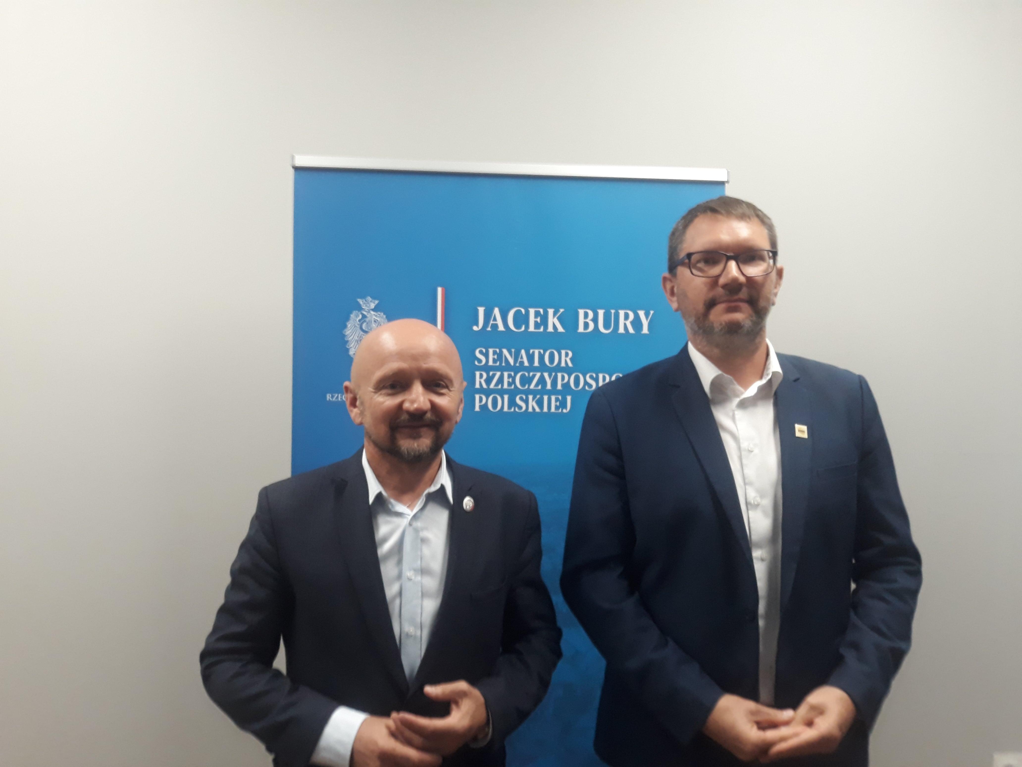 """Województwo lubelskie: Sejmik wycofa się z uchwały """"anty LGBT""""? Senator Bury: Można uchylić tę bardzo szkodliwą uchwałę - Zdjęcie główne"""