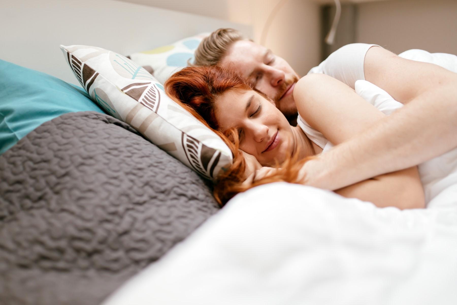 Czym kierować się przy wyborze łóżka dwuosobowego? - Zdjęcie główne