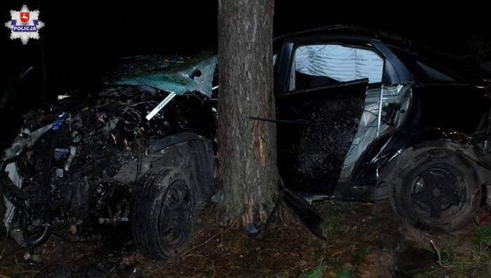 Artur nie przeżył uderzenia w drzewo - Zdjęcie główne