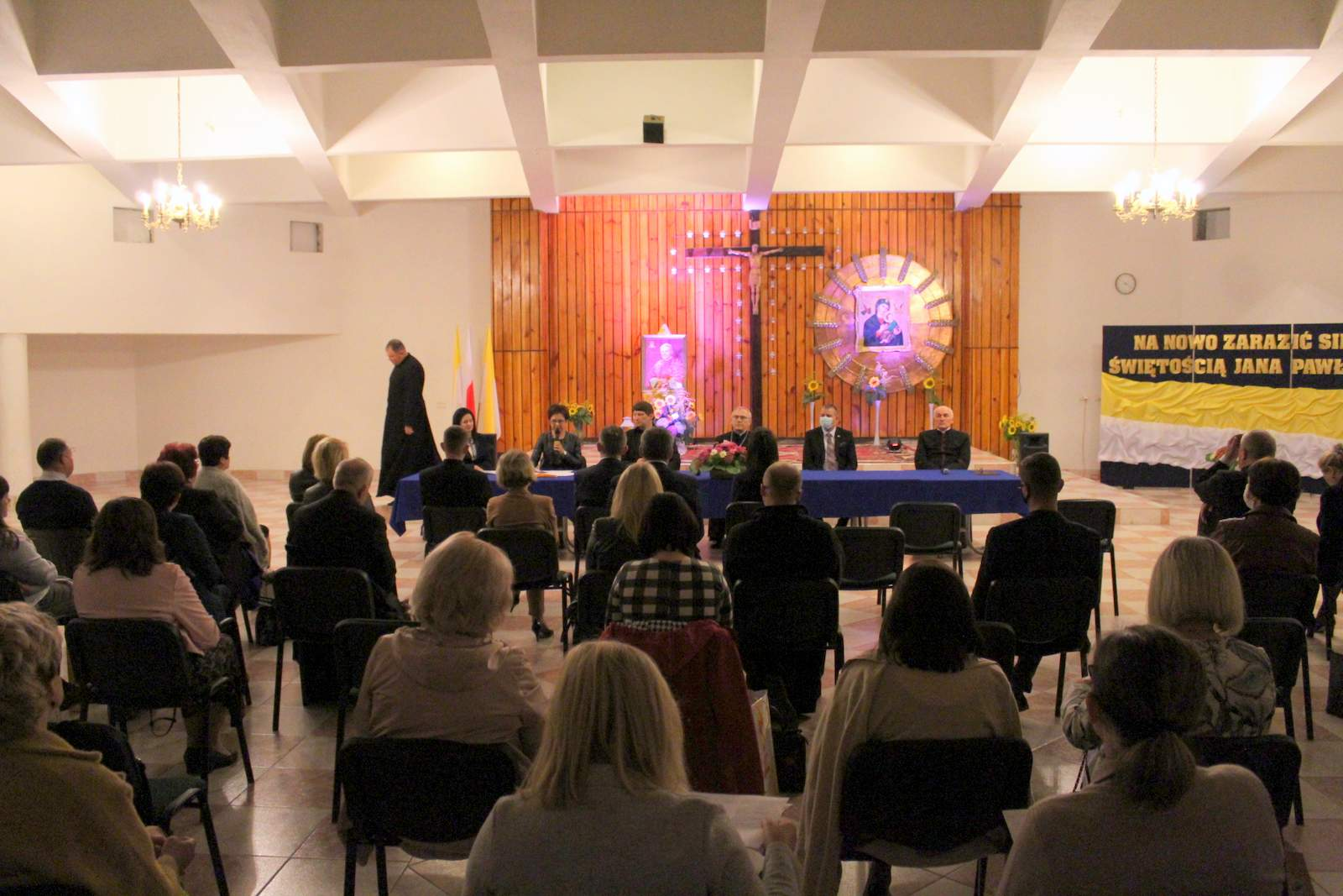 W radzyńskim sanktuarium doszło do spotkania  Społecznej Rady Rodziny Szkół imienia Jana Pawła II Diecezji Siedleckiej - Zdjęcie główne