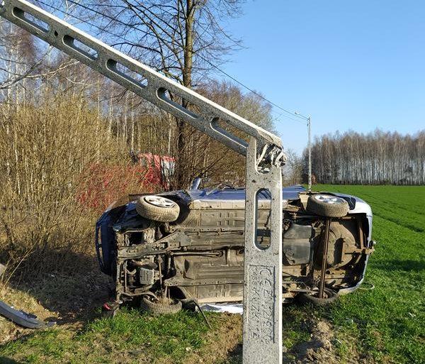 Śmiertelny wypadek w Stoczku w gminie Czemierniki. Zginął młody mężczyzna (aktualizacja, zdjęcia) - Zdjęcie główne