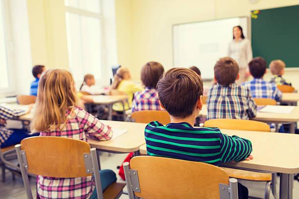 Koronawirus: Zbliża się rok szkolny. Minister edukacji o podziale uczniów na zaszczepionych i niezaszczepionych - Zdjęcie główne